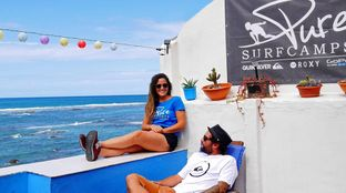 Pure surf camp balcony canaires