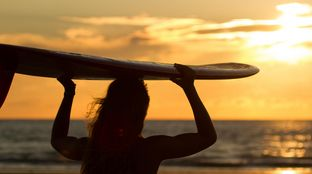 beach sunset single fin longboard girl